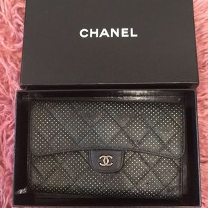 💕Authentic Chanel wallets classic flap!
